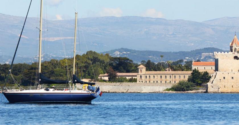 ponte di pasqua in barca a vela costa azzurra