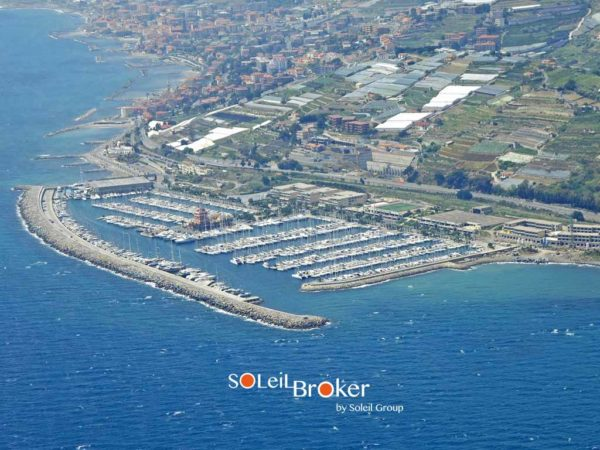 posto barca marina degli aregai 17 mt